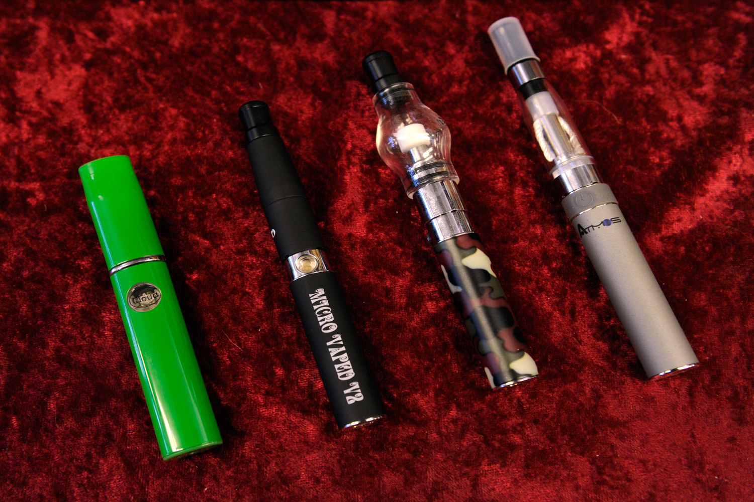 This image has an empty alt attribute; its file name is vape-pens.jpg